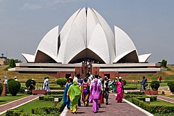 Bahai-house-of-worship-delhi2.jpg