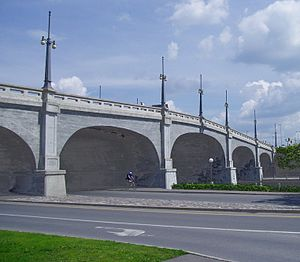 Bank Street Bridge - The bridge in 2005.
