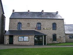 Belgeard - Town hall.jpg