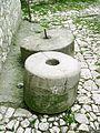 Berat, mlynske kameny v muzeu.jpg