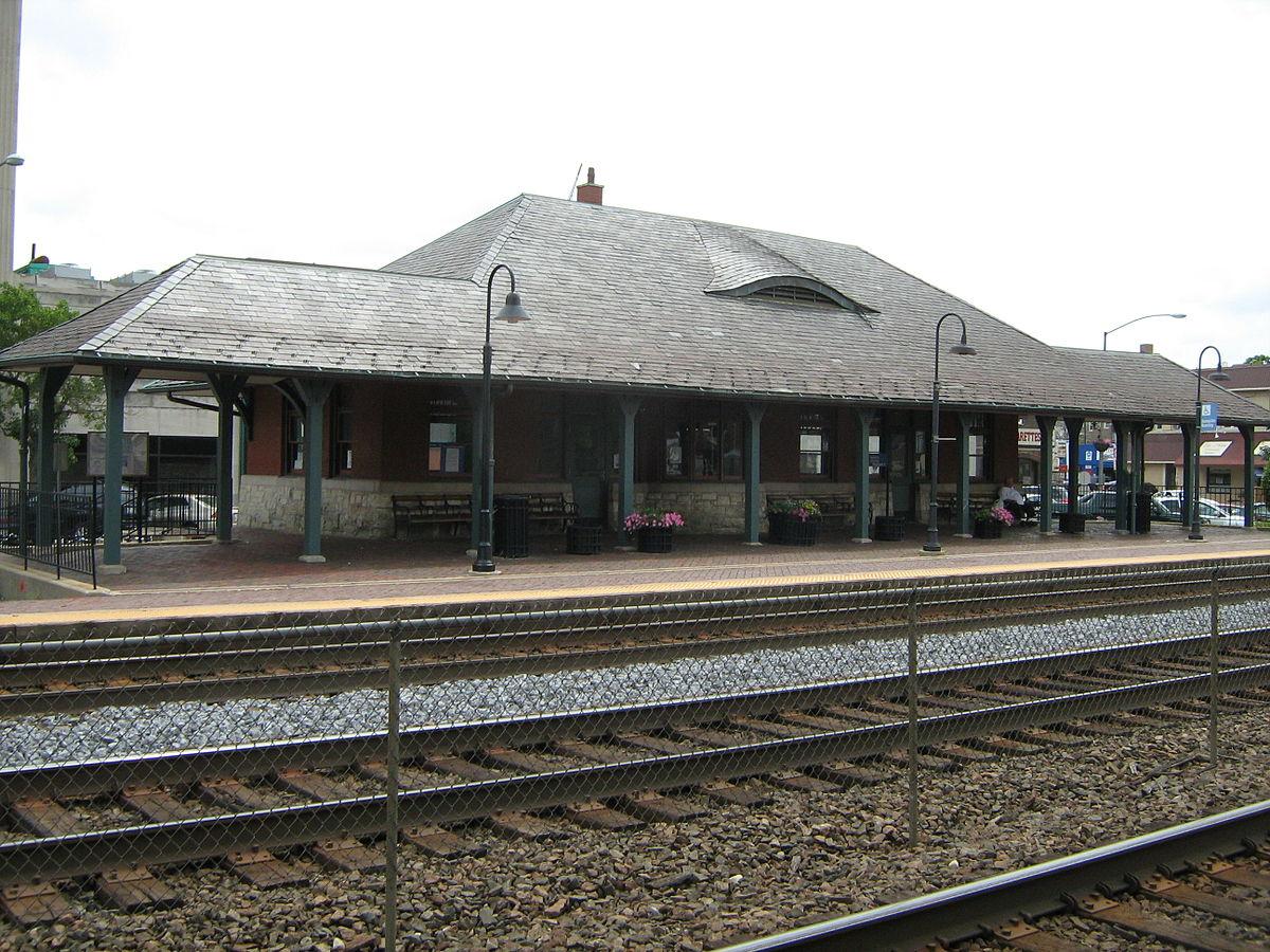 Berwyn Station Metra Wikipedia