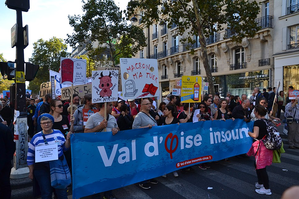 Big march in Paris against president%27s reforms (36571917364)