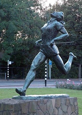Fanny Blankers-Koen - Statue of Fanny Blankers-Koen in Rotterdam, Netherlands