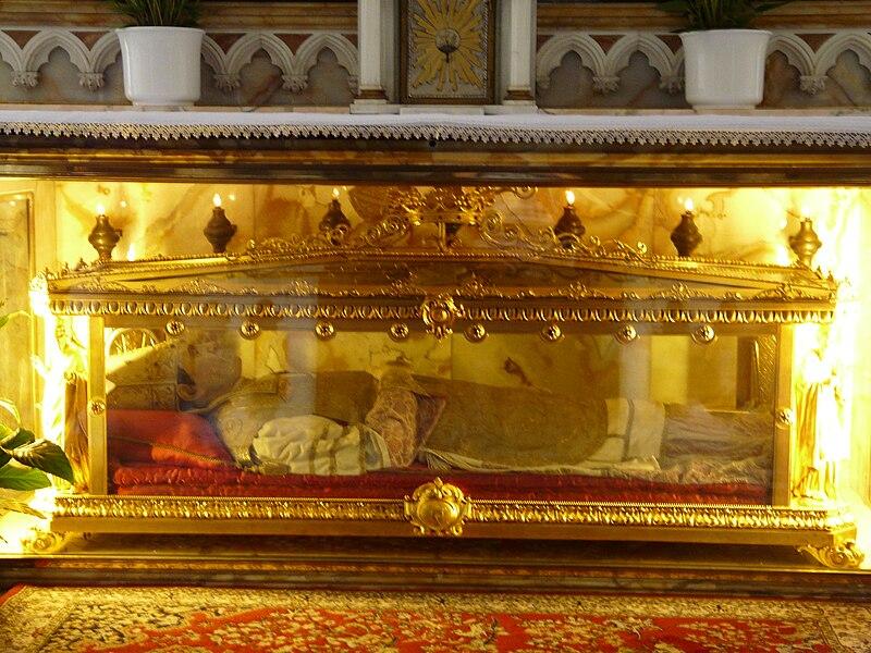 Den hellige Antonius Maria Gianellis grav i katedralen i Bobbio