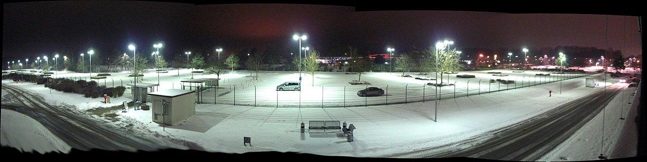 Bosch Parkplatz im Schnee - panoramio.jpg