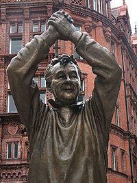 Brian Clough Nottingham Statue 1.jpg