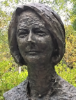 Bronze bust of PM Julia Gillard.png