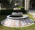 Brunnen Hubertusstr München.jpg
