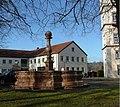 Brunnen im Kloster - panoramio.jpg