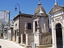 Cimiteri del mondo wikipedia for Cementerio jardin de paz buenos aires