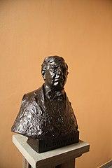 Busta Miroslava Donutila