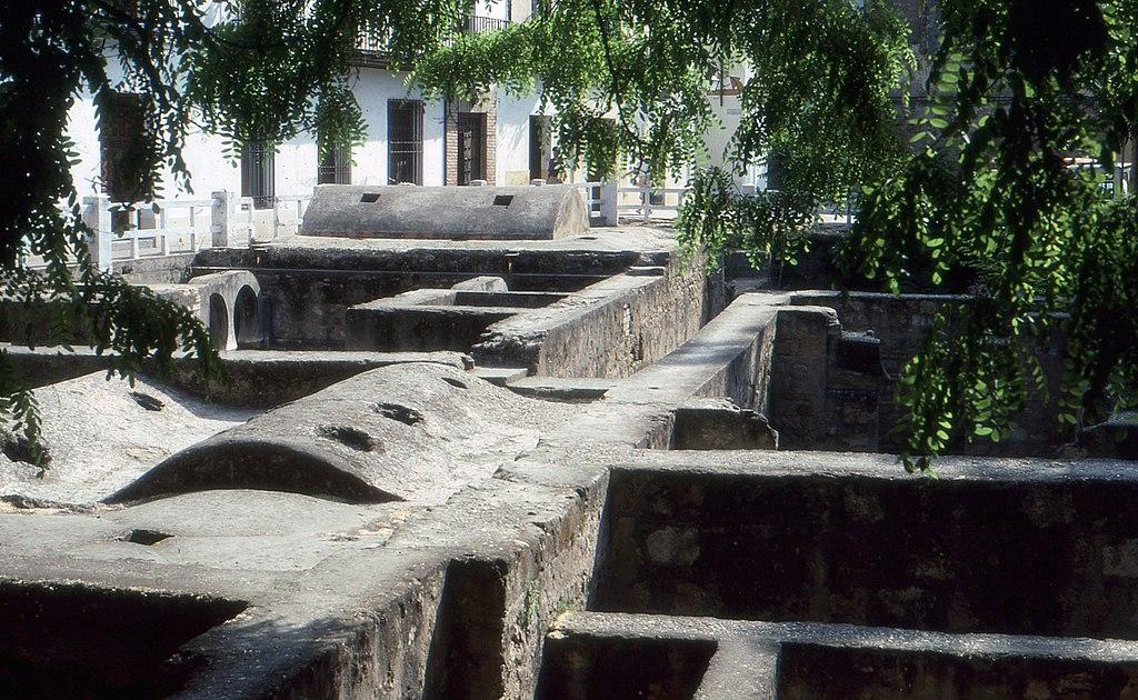 Córdoba-Baños califales-1992.jpg