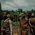 COLLECTIE TROPENMUSEUM Een dansvoorstelling van de Village Dancers TMnr 20038853.jpg