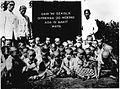COLLECTIE TROPENMUSEUM Groep schoolkinderen met oogziekten. TMnr 60012991.jpg