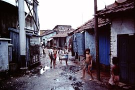 Calcutta-slums-1986-IHS-40-05-Children.jpeg