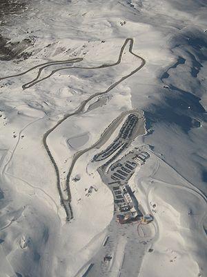 Cardrona Alpine Resort - Image: Cardrona 01 gobeirne