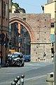 Case di Strada Maggiore vista attraverso Porta Maggiore. - panoramio.jpg
