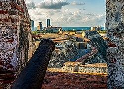 El sitio de Cartagena de Indias. 250px-Castillo_San_Felipe_04