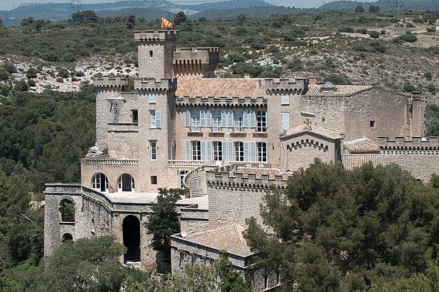 Датируемый XI веком самый старый замок Прованса будет продан на аукционе