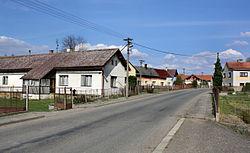 Cholenice, road No 280.jpg