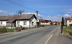 Cholenice, road No 280.jpg