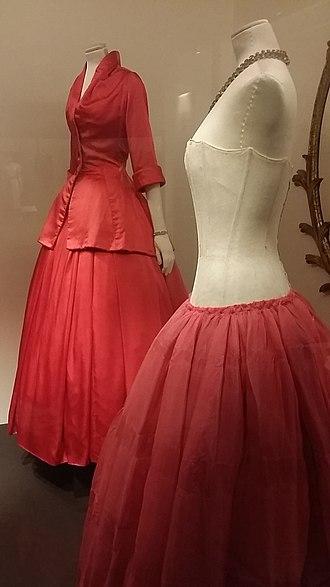 Crinoline - Dior evening gown and crinoline petticoat, 1954 (V&A)