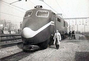 South African Class 6E1, Series 4 - No. E1525 with nose cone for high speed testing