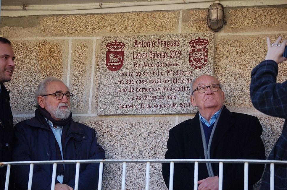 Clodio e Xusto placa casa natal Antonio Fraguas