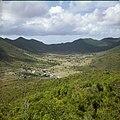 Collectie Nationaal Museum van Wereldculturen TM-20030100 Gezicht op de plaats Cul de Sac, omgeven door heuvellandschap Sint Maarten Boy Lawson (Fotograaf).jpg