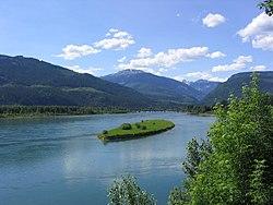 Columbia River Revelstoke.jpg