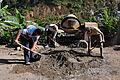 Construcción de escalinata de 16 metros en la Ciudadela Eloy Alfaro (9217887514).jpg
