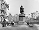 Coral and Copper Snow Thomas Moore statue NLI.jpg