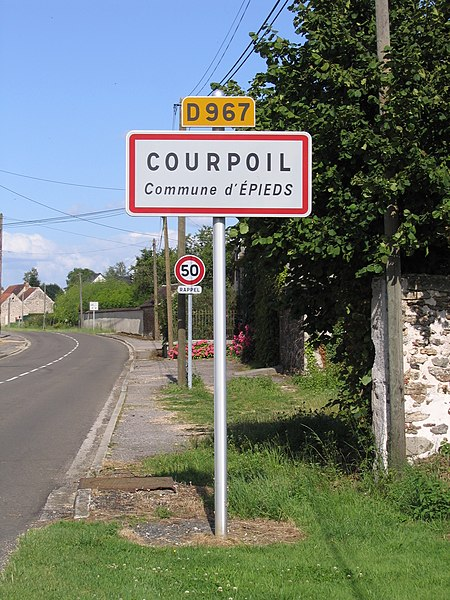 "Courpoil, near Epieds, Aisne, France. The title is a pun in French, which could be translated approximatively as : ""short hair near the foot, in the wool sock."""