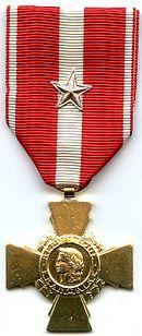 Décorations Françaises 130px-Croix_de_la_Valeur_Militaire_France_AVERS