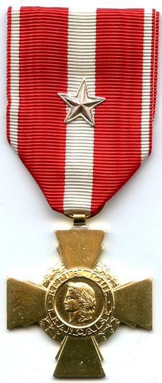 Cross for Military Valour - Image: Croix de la Valeur Militaire France AVERS