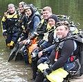DO Preparing to Dive (15208880615).jpg