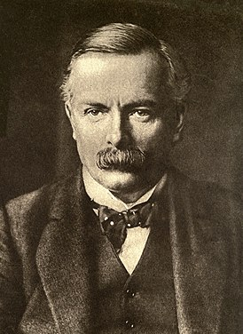 David Lloyd George 1915.jpg