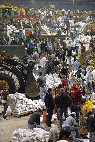 2009 Red River flood - Volunteers fill sandbags in the Fargodome.