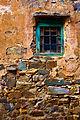 Detalle de una ventana en Castrillo de los Polvozares.jpg