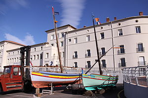 Deux Barques catalanes.JPG