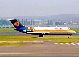 Midway Airlines (1976–1991) - Douglas DC-9-15 of Midway Airlines in 1982 wearing the airline's early color scheme