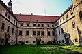 Dziedziniec zamku w Głogówku.jpg