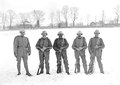 Eine Gruppe von Infanteristen mit dem neuen Stahlhelm von 1917 - CH-BAR - 3240245.tif