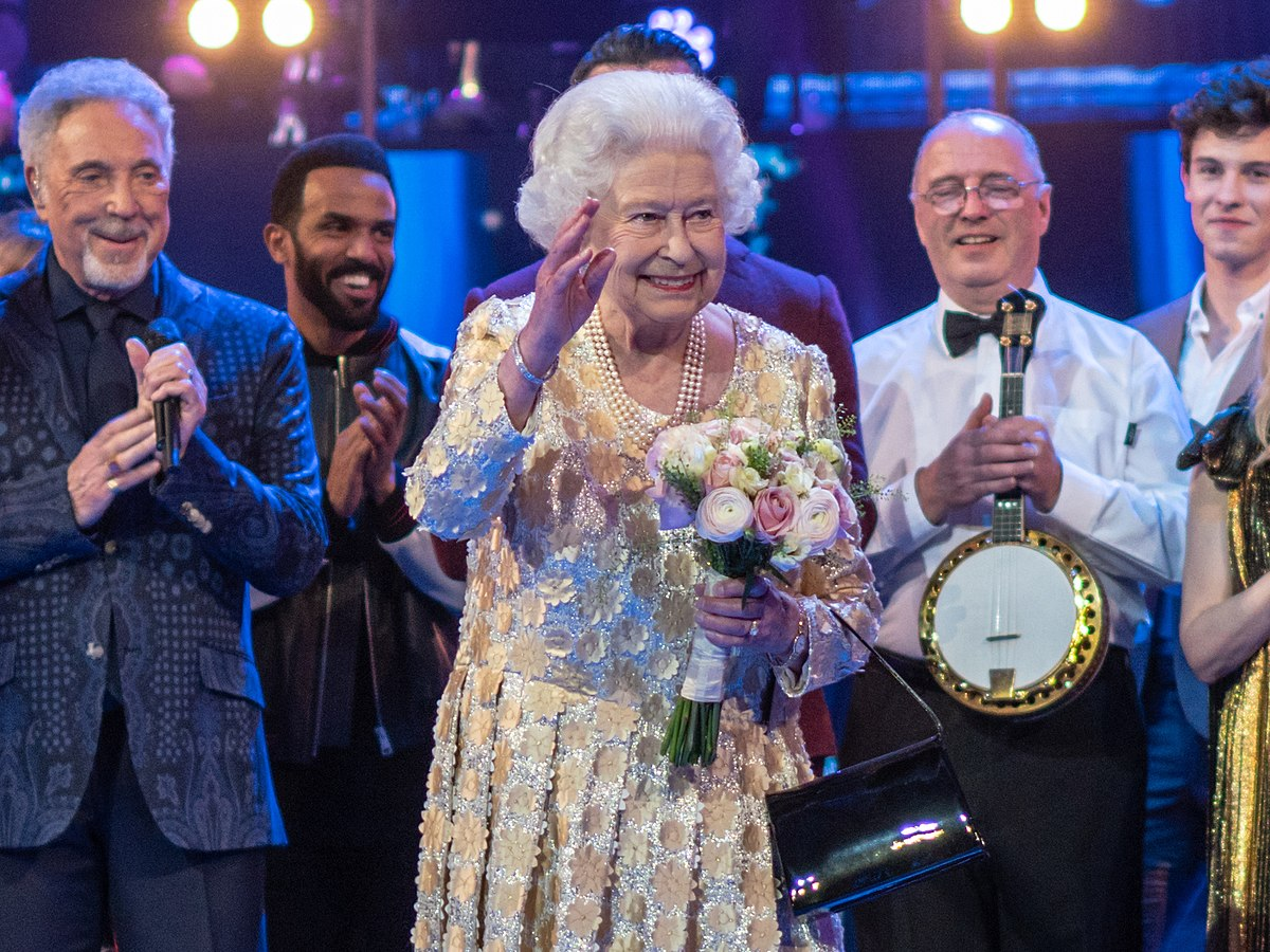 Elizabeth II at the Queen's Birthday Party (2018).jpg