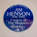 English Heritage blue plaque at Jim Henson's former home (close).png