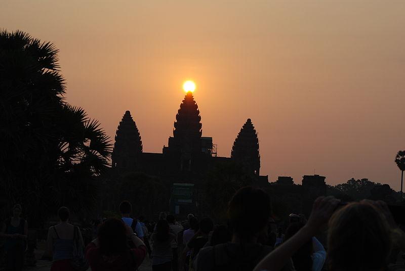 File:Equinox at Angkor 21st March 2012.JPG