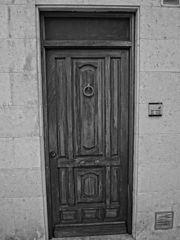 España, Aranda de Duero, Hand Carved Wooden Door, pic bb4.jpg