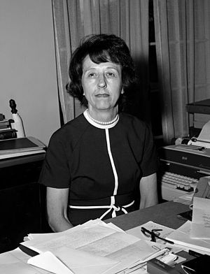 Evelyn Lincoln - Lincoln at her desk in the White House, 1961