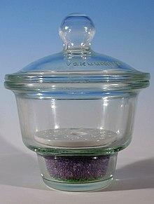 Essiccatore contenente gel di silice come agente disidratante