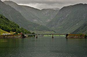 Føsundbrua over Fuglsetfjorden.JPG